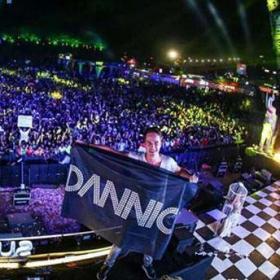 全英文浩室丶超嗨Party气氛串烧 (DJayi Remix)