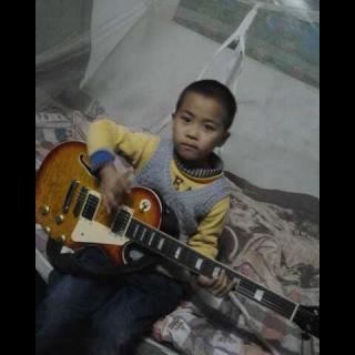 五岁小孩弹奏刘星神曲