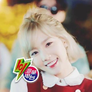 韩国女生敲可爱发型半丸子头