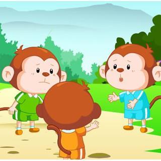 故事名称:三只小猴子 点播者: 湖南省长沙市阳光心幼儿园 张起铭 一个晴朗的下午,三只顽皮的小猴子在池塘边的树林里玩皮球。你传给我,我传给他,它们玩得好高兴。正在这时,一只小猴子没有接稳皮球,皮球在地上一蹦,跳到池塘里去了。 三只猴子面面相觑,然后就互相埋怨起来。其中的一只说:你怎么这么笨呀!