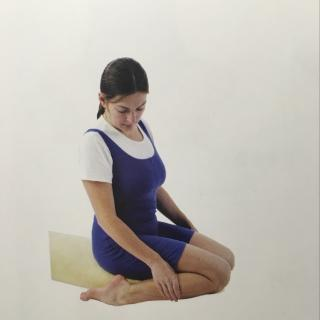 孕妇瑜伽~英雄坐(一直到分娩都可以做的体式)图片