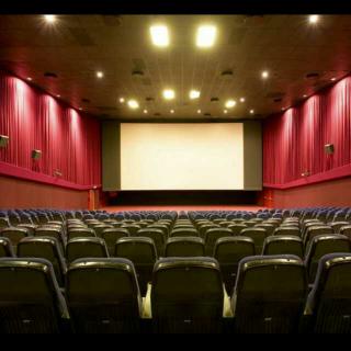 一个人去看电影