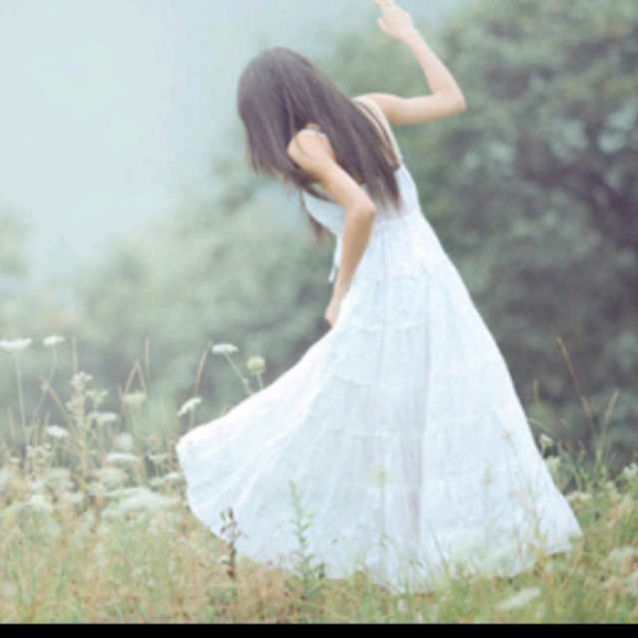 手绘最美蓝色婚纱