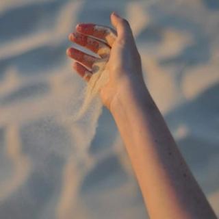 [握不住的沙歌词]握不住的沙10篇