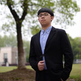 《帕格尼尼主题变奏曲》等,以及中国作曲家储望华的《筝箫吟》.图片