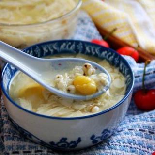 盛夏炎炎,来一碗清甜的薏米腐竹糖水——半饱厨房