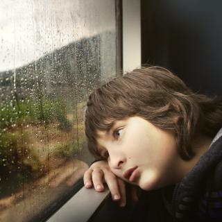据说雨天适合听歌