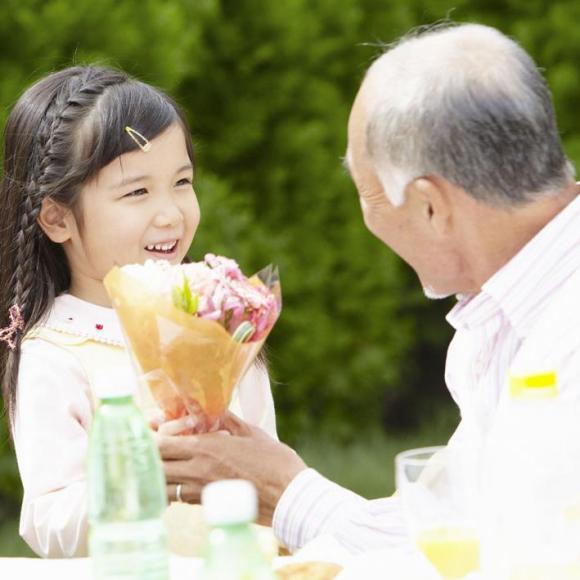 好妈妈讲堂 - 培养孩子尊敬长辈的美德
