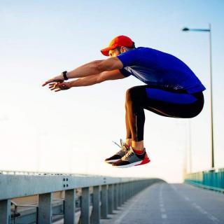 【探险王】跑酷,穿梭于地面的竞技