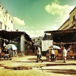 【穿透墙壁】菜市场的存在主义与黑市交易