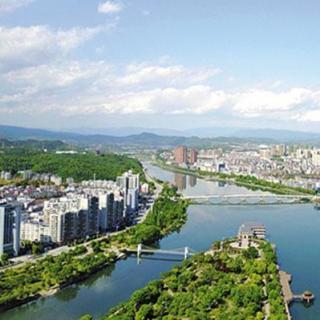Yichang prioriza la mejora de la ecología a lo largo del Río Yangtze