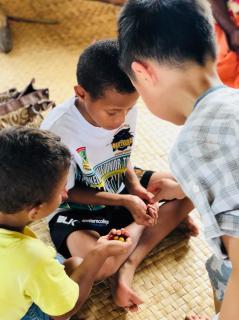 2月15日参观斐济土著村庄