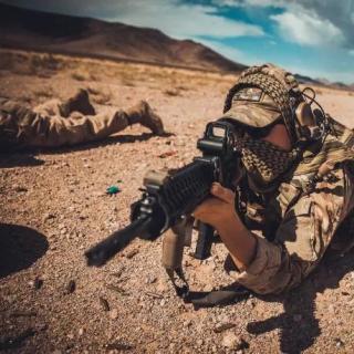 三好人生 – 南城美军狙击手兄弟和他阿富汗战场的任务 (顺子)