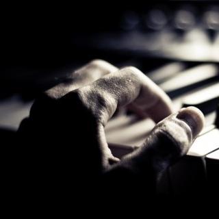 给你的摇篮曲(原创,demo)【手机录制,请带耳机收听】