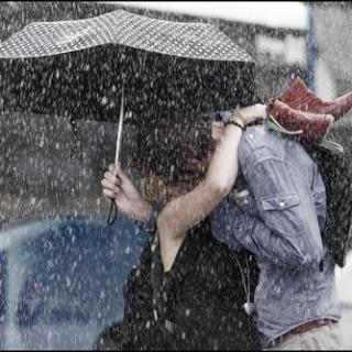 《无论生活多难过,总有个人陪你颠沛流离》/文:李尚龙 配乐:末