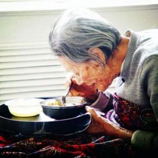 【散文诵读】姥姥,我把你的勺子丢了