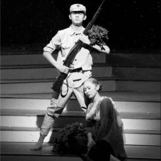 【散文诵读】雕像.红杜鹃