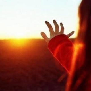 未来不管多遥远,你得勇敢走向前