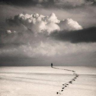 有那么一段路总要你一个人走过