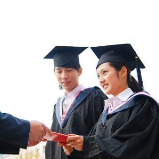 6成中国大学生认为大学的职场培训不够?