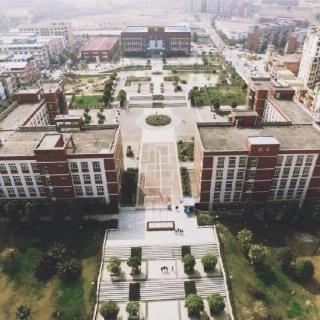 #用声音表白四川工业科技学院#采访:你对母校爱几分