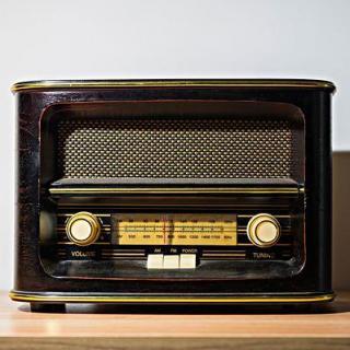 转播:11月14日易白携新歌做客中央人民广播电台《青春无限》栏目