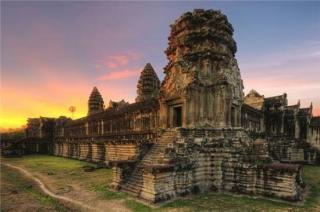 嘿,柬埔寨,我于万丈红尘中走来,细数你的皱纹