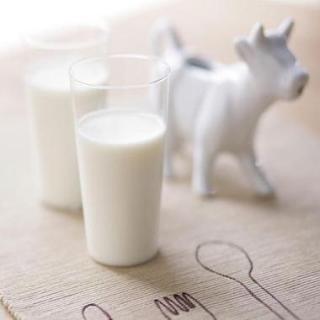 """牛奶:""""贫困象征""""变成""""完美食物"""""""