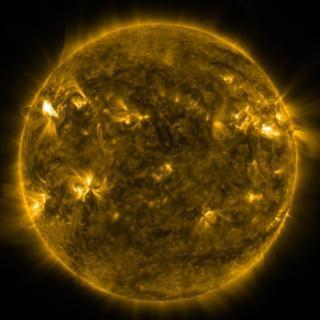 银河说:太阳黑子和耀斑