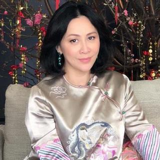 刘嘉玲为张国荣读诗:《行过一片桃花林》