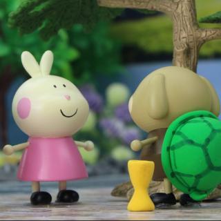 小趣和动物朋友们玩龟兔赛跑游戏