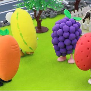魔法帽把小猪和朋友们变成了水果,却变不回来了,怎么办?