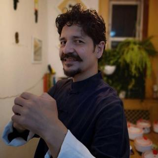 Artista colombiano Rodrigo Escobar-Vanegas compartió sus experiencias de vida en China