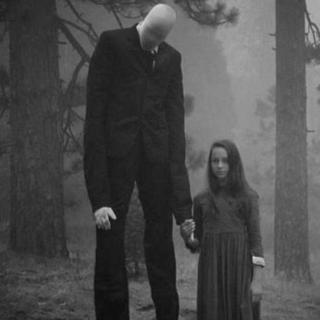 都市传说:树林中消失的小女孩,和她身后的瘦长鬼影