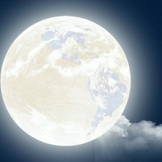 《月是故乡明》