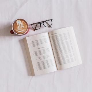 「朗读」阅读不会让你变得快乐,但会让你变得澄真