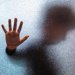忍受家暴 20 年,我终于与父亲断绝了关系