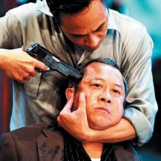 缅甸边境故事:被审问的那一晚,情报官用枪指着我的头