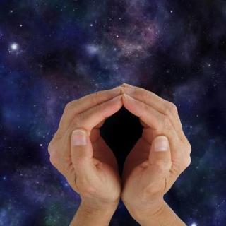 月球多次出现不明飞行物,人类无法探索的月背,隐藏着什么秘密?