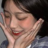 阿妍_Yee